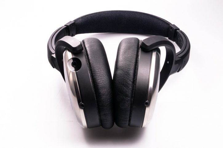 headphones-458251_1280